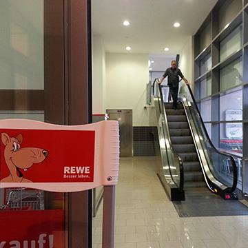 LE_50_Rewe Supermarket